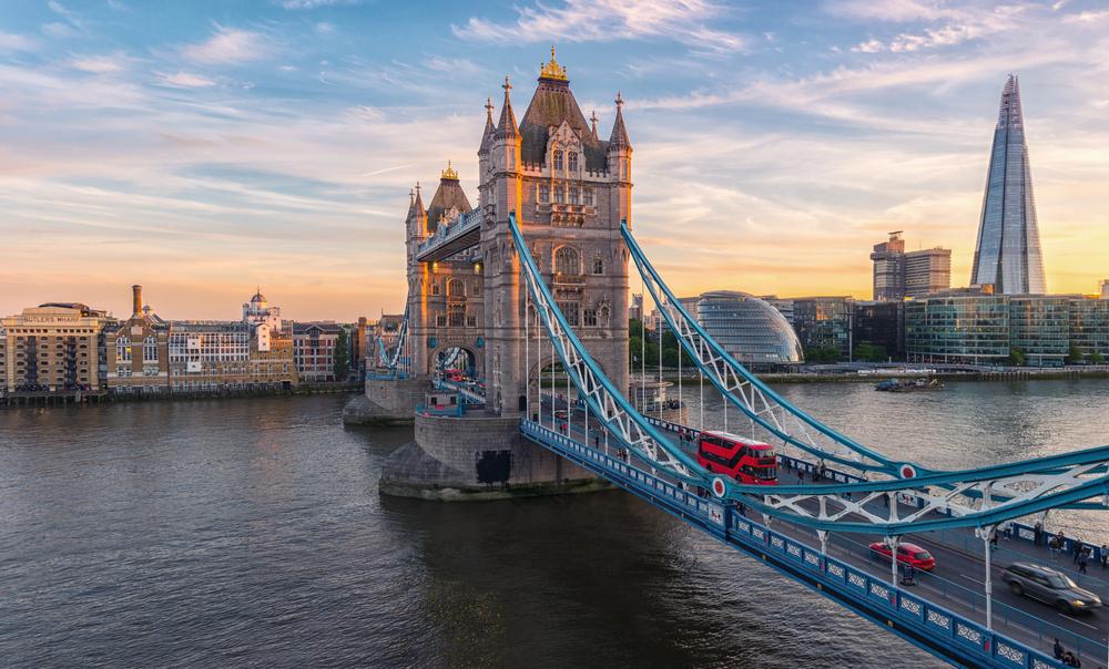 jembatan terkenal di London