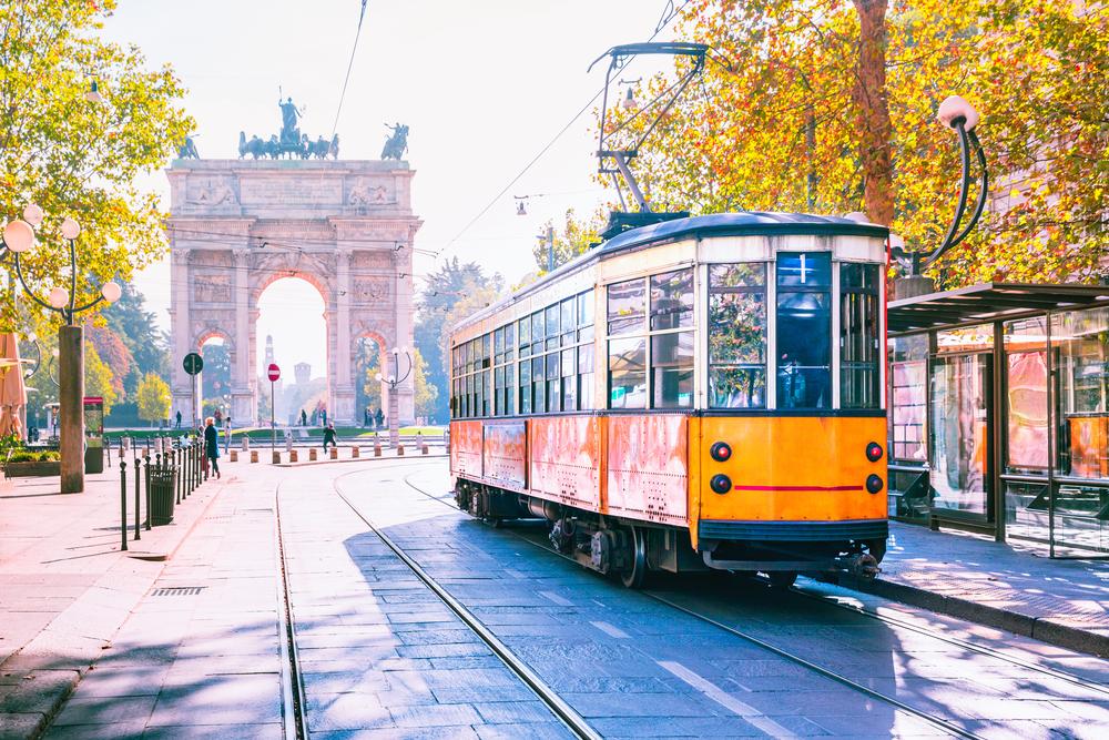 Trem di tengah kota