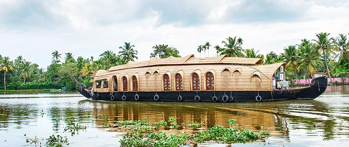 bangunan di atas air