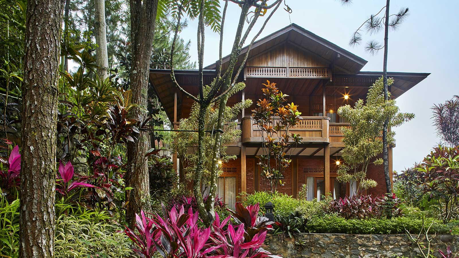 Wego_Rekomendasi Vila dan Hotel Murah tapi Bagus di Puncak_Jambuluwuk Convention Hall & Resort Puncak