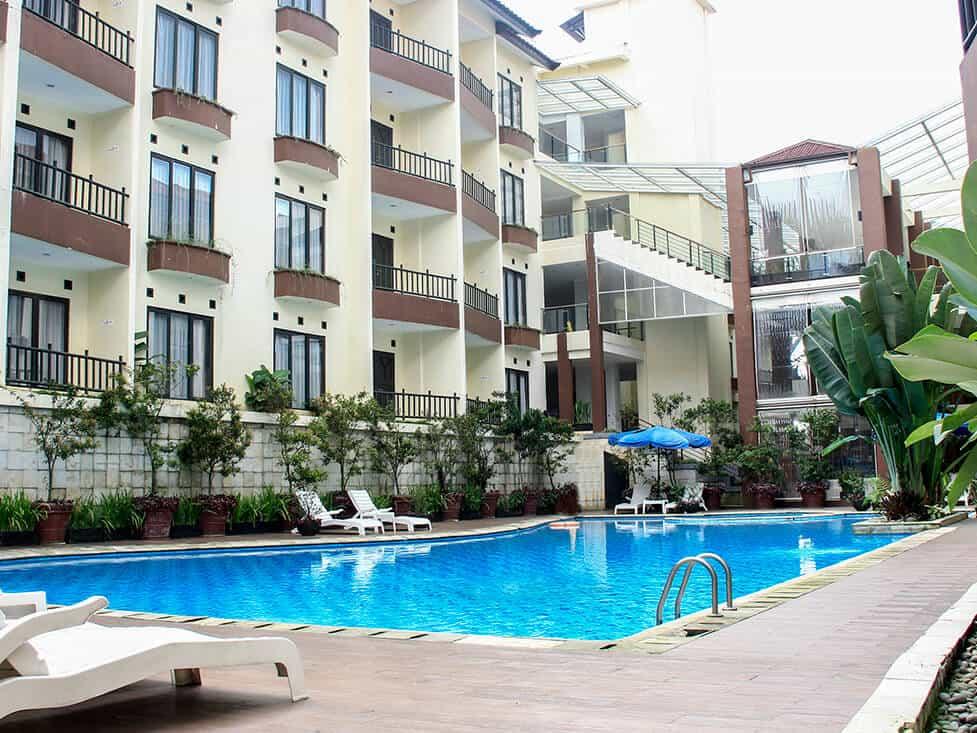Wego_Rekomendasi Vila dan Hotel Murah tapi Bagus di Puncak_Palace Hotel