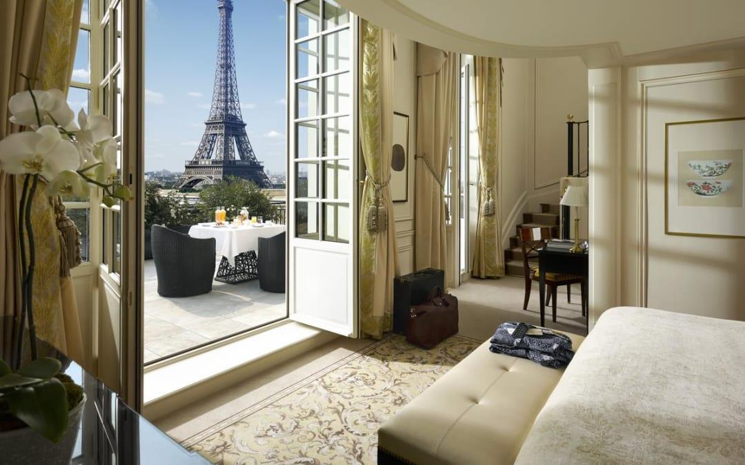 超浪漫! 俯瞰巴黎街景吃早餐~ 去巴黎一定要住這幾間飯店 !