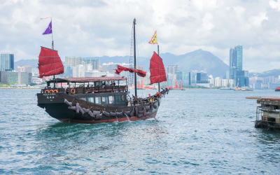 Get to Know Hong Kong Island: A Guide for Muslim Family
