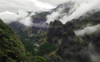 Monsoon Trail: 5 Destinations That Reveal the Breathtaking Beauty of India During Monsoon Season
