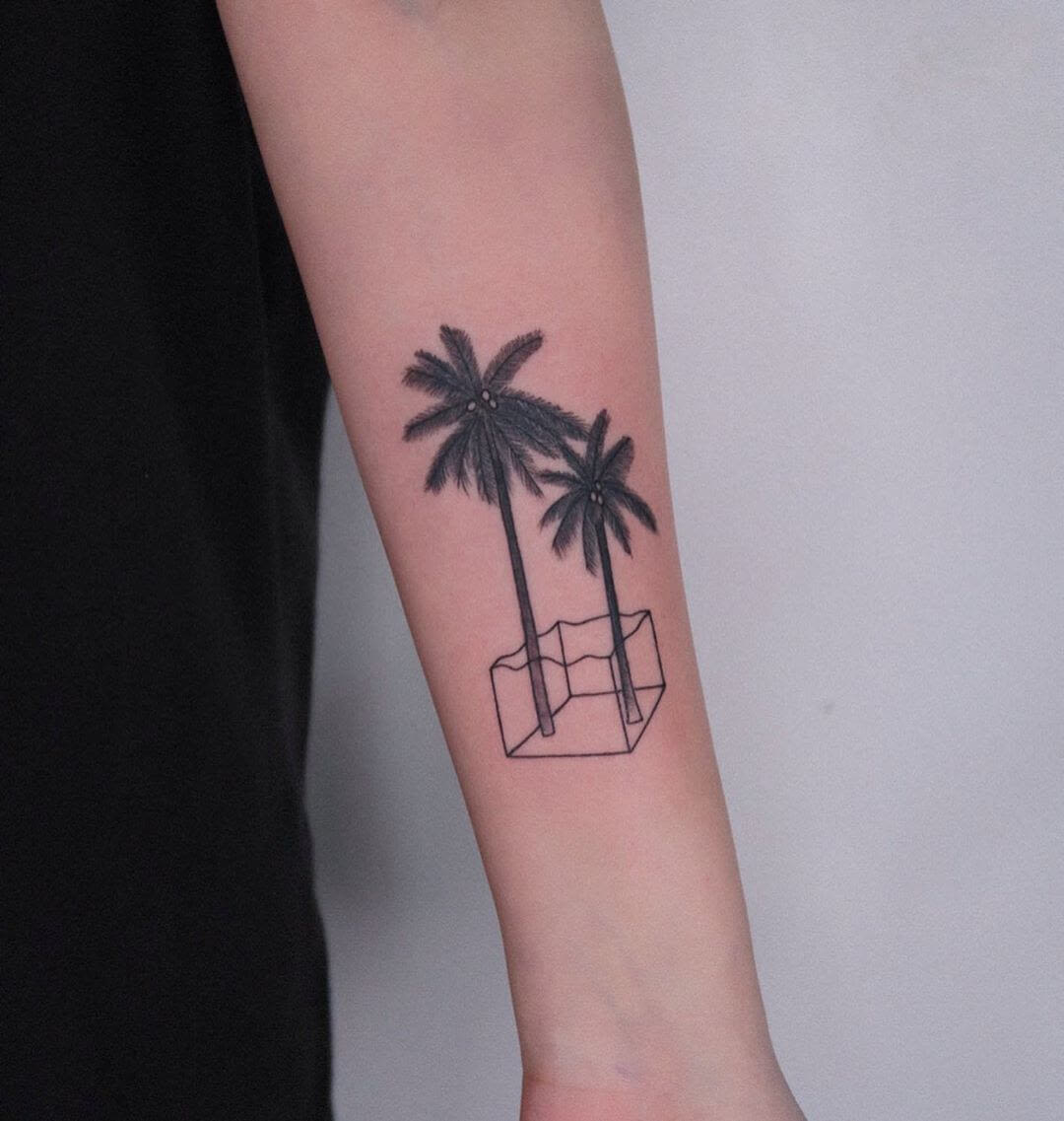 Palm trees in geometric form, tattoo by Minigreemer
