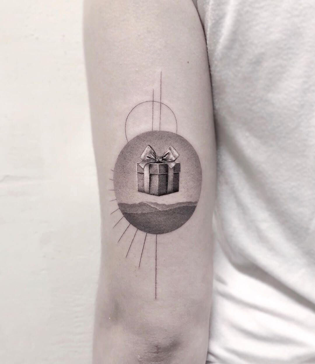 Gift in sky tattoo by Maya Gat