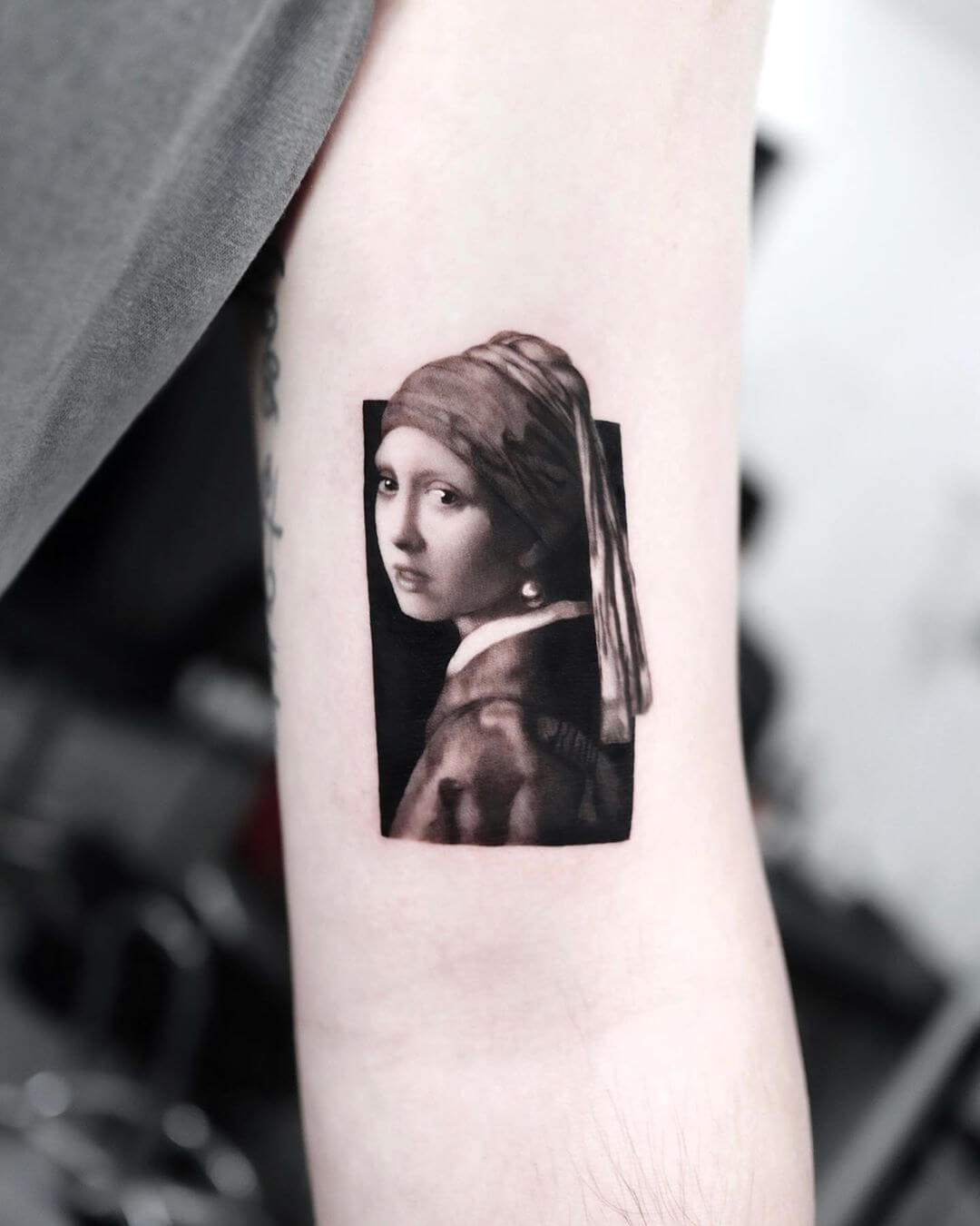 Girl with a pearl earring painting tattoo by Yeono