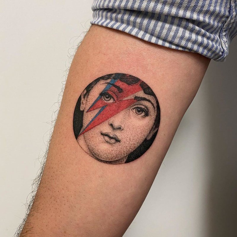 Fornasetti portrait with David Bowie lightning tattoo