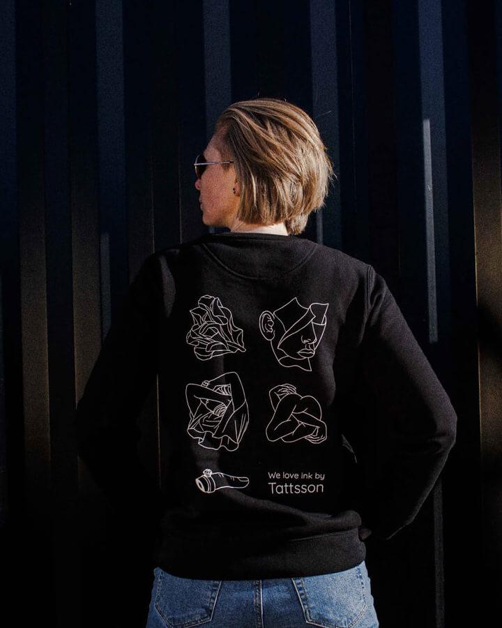 Tattsson%20sweater/woman-back-sweater