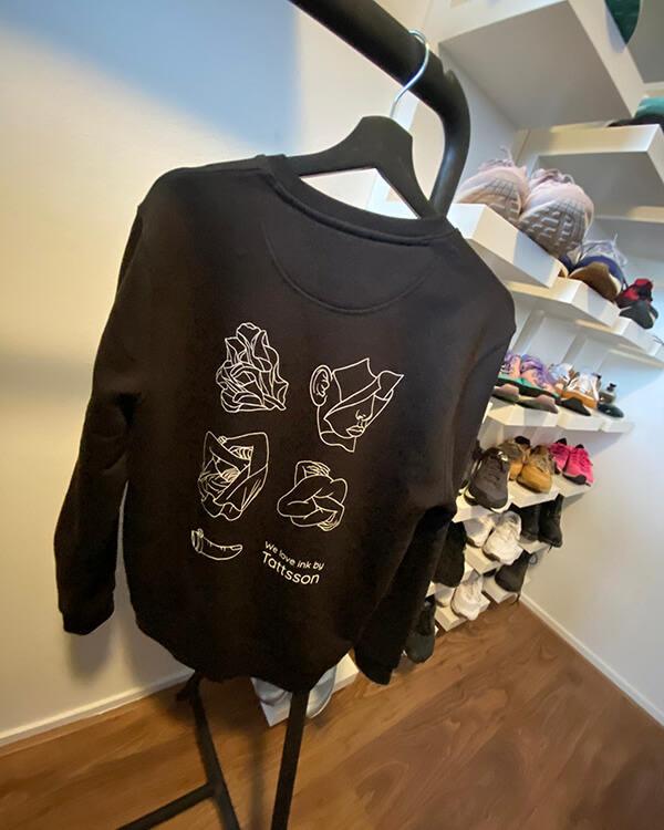 Tattsson%20Sweater/customers/tattsson-winkt