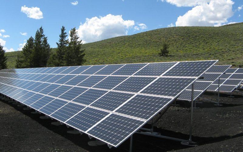 solar-panel-array-power-sun-electricity-159397-800x500