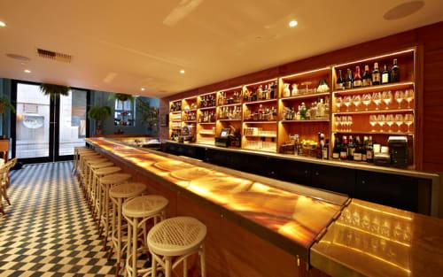 Tables By Ken Fulk At Leou0027s Oyster Bar, San Francisco   Glowing Onyx Bar Top