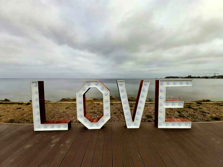 Napis LOVE rustykalny - Dekoracje weselne