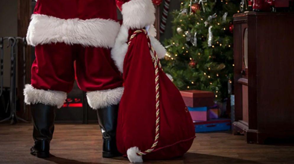 Santa Arrives Thursday, November 27th