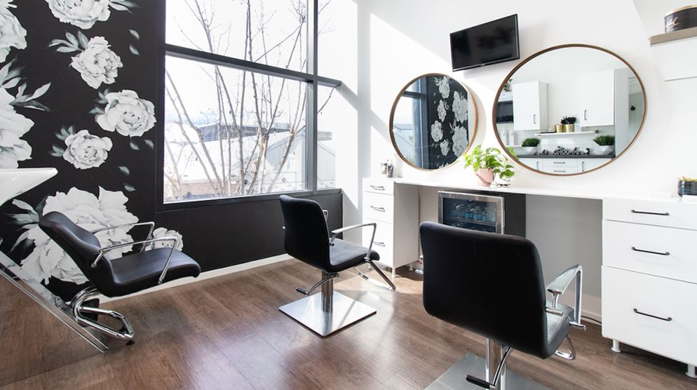 Private salon studios for Beauty Pros