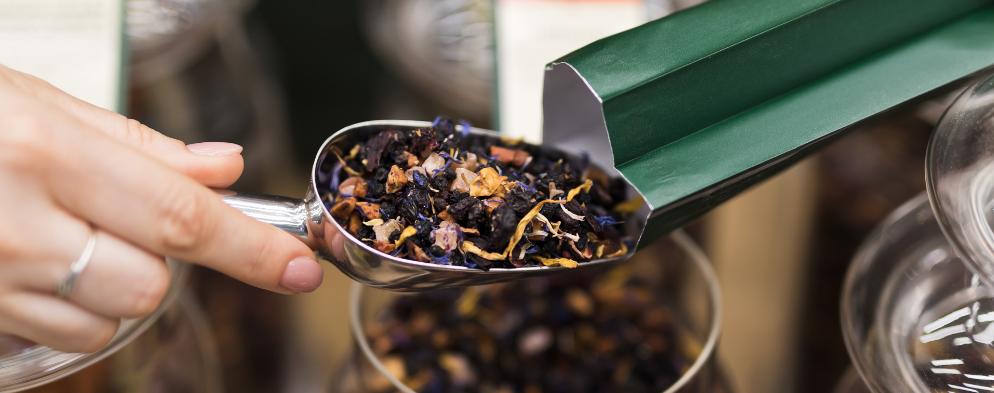 Zima a teplý čaj patří neodmyslitelně k sobě.