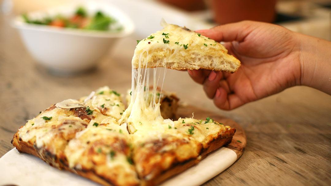 Goûtez le cheesy garlic bread chez Vapiano !