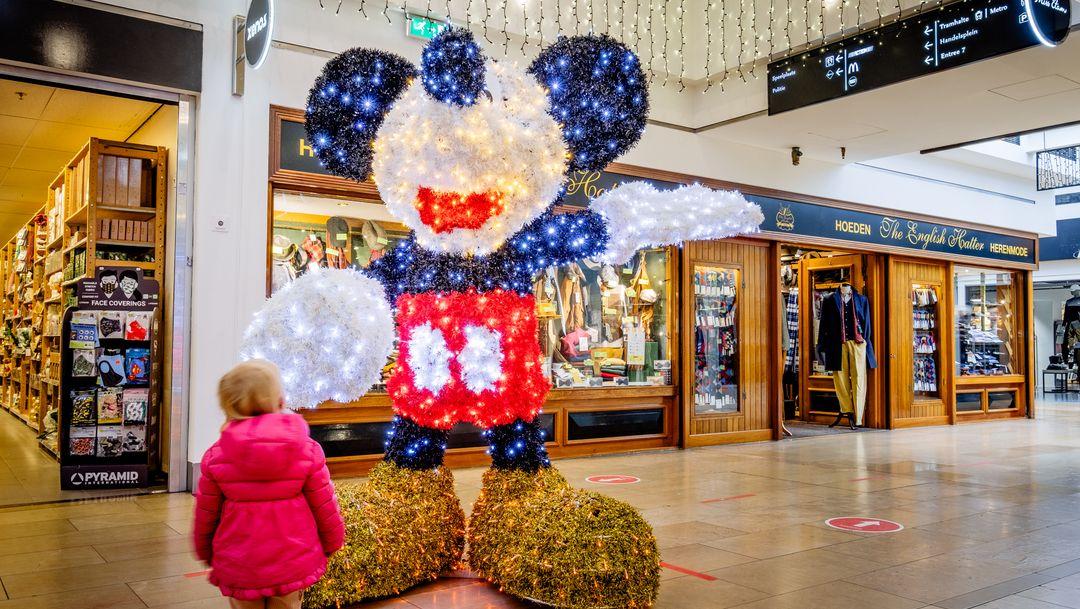 Amstlvn Twinkelt lichtjestour brengt feeststemming in Stadshart Amstelveen