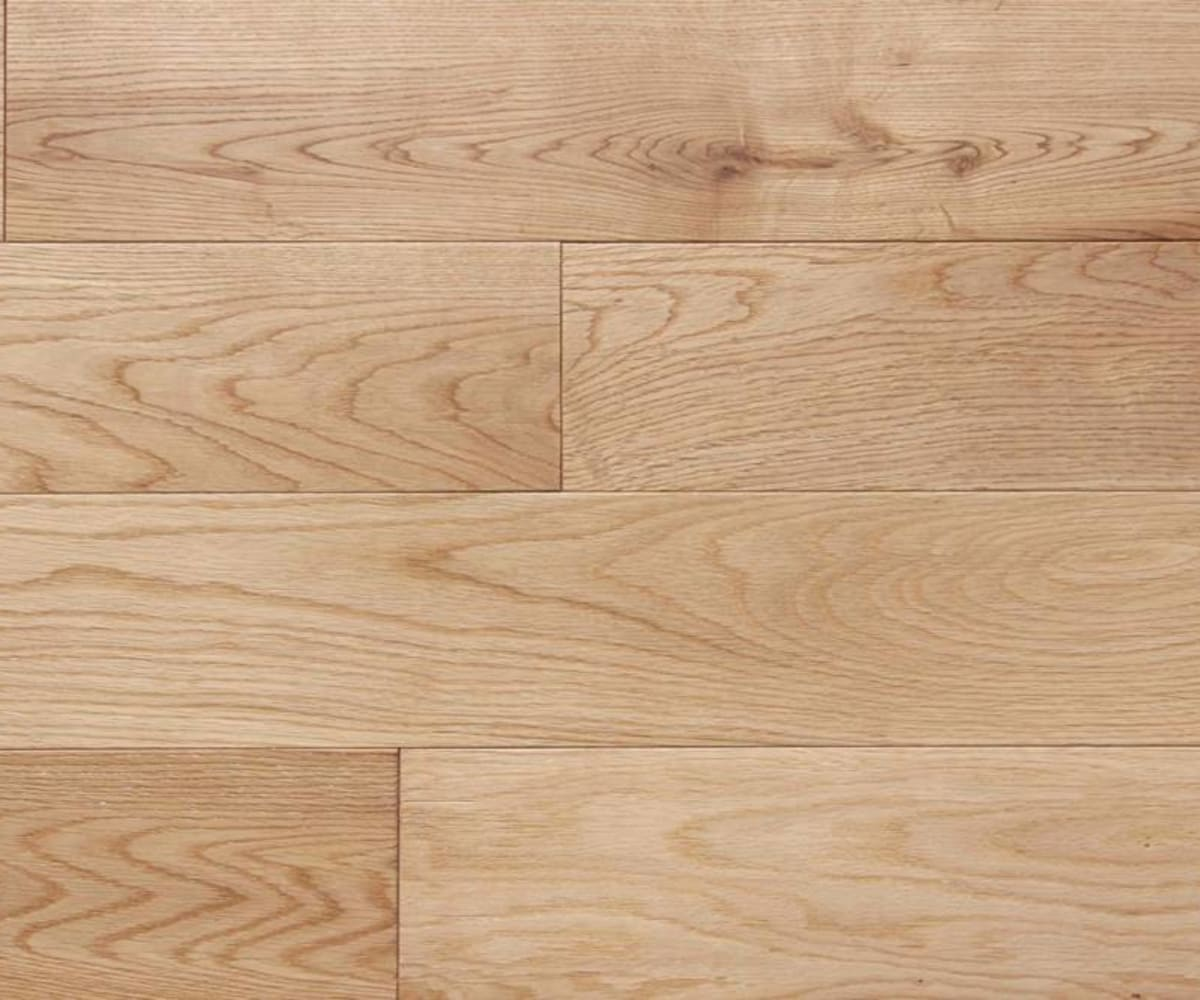 Natural White Oak 18mm Multi Layer Lacquered Engineered Wood Flooring