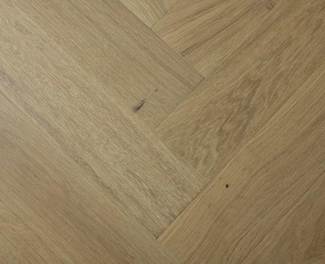 White Natural Oak Oiled Herringbone Engineered Parquet Block