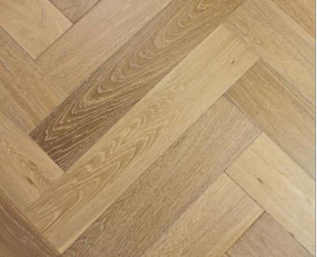 Smoked Natural Oak UV-Oiled Herringbone Engineered Parquet Block