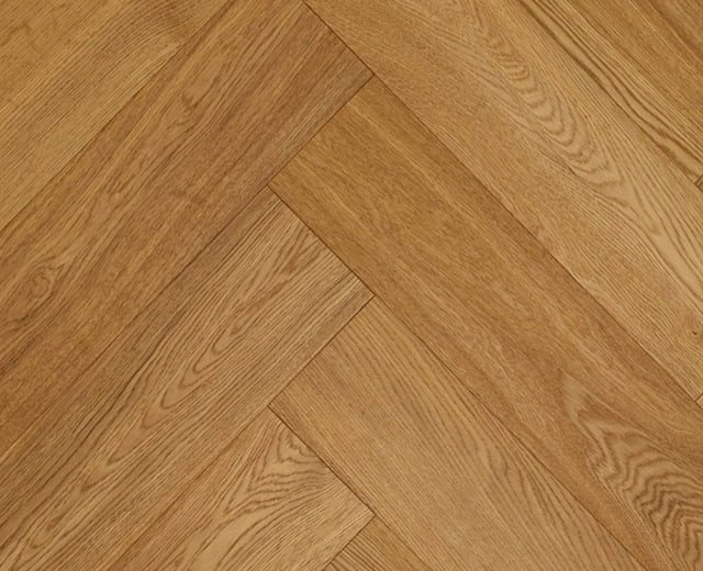 Brushed Natural Oak UV-Oiled Herringbone Engineered Parquet Block