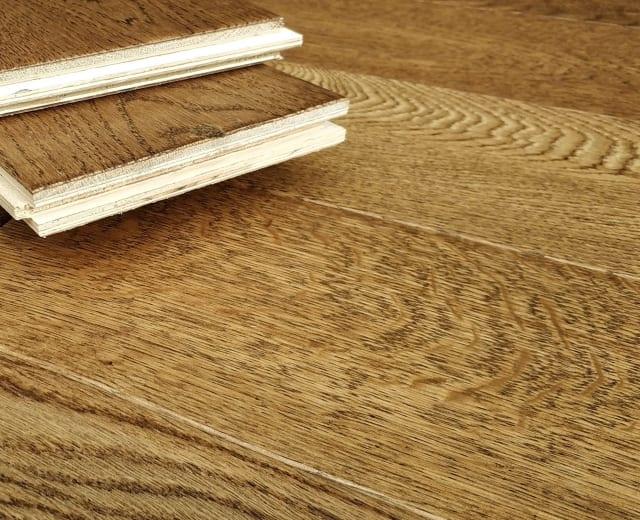 Golden Hickory Stained Oak Hand Scraped Engineered Hardwood Flooring