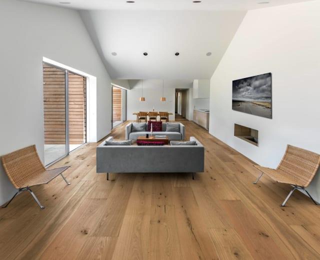 Marsvinsholm Castle Natural Brushed Oiled Oak 305mm Engineered Hardwood Flooring