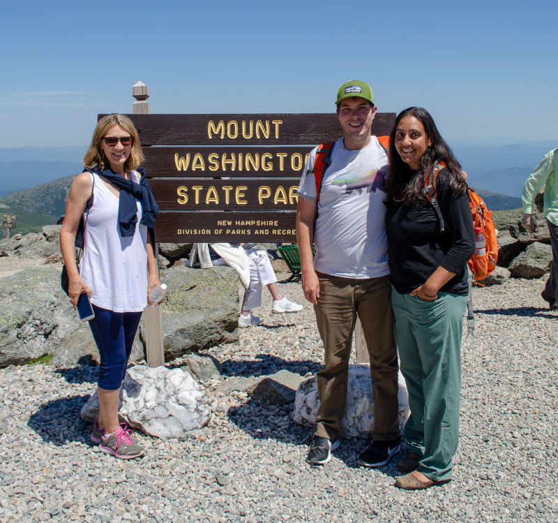 will sushila and mel with the mt washington sign