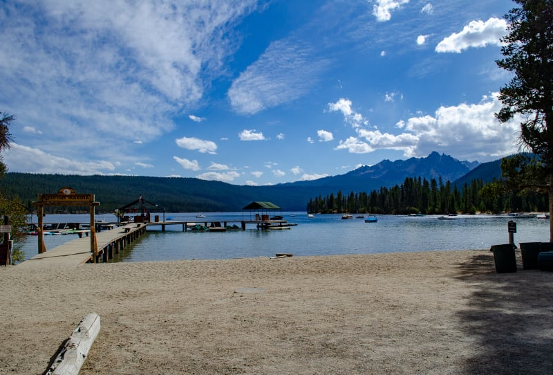 redfish lake with boats and marina