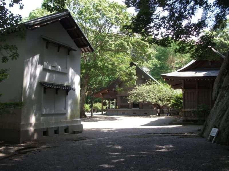 awa_shrine(Chiba)_6.jpg