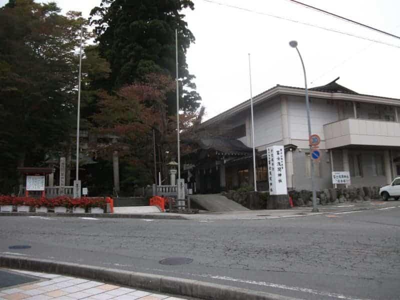 higashiguchihonguhujisengen_shrine_1.jpg