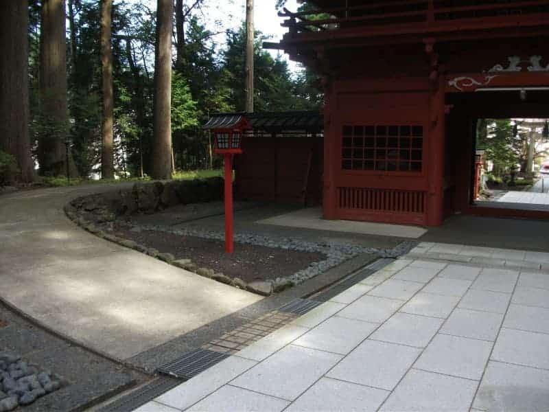 higashiguchihonguhujisengen_shrine_3.jpg
