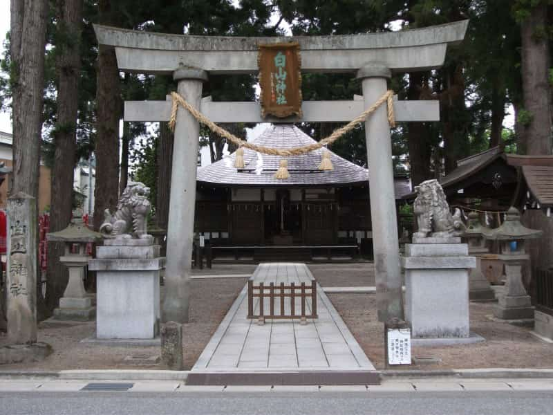 ipponsugihakusan_shrine_1.jpg