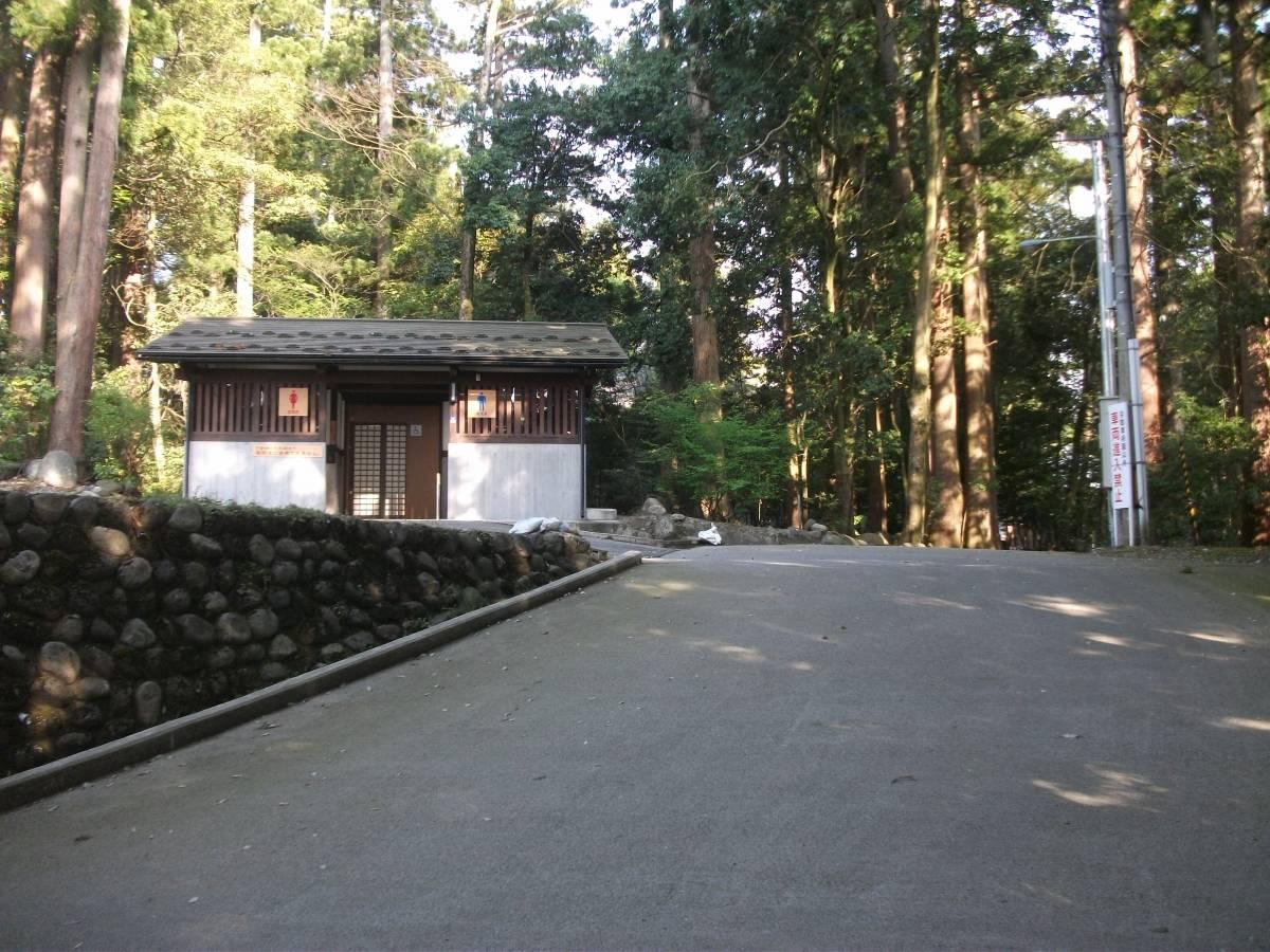 雄山神社前立社壇_2.jpg