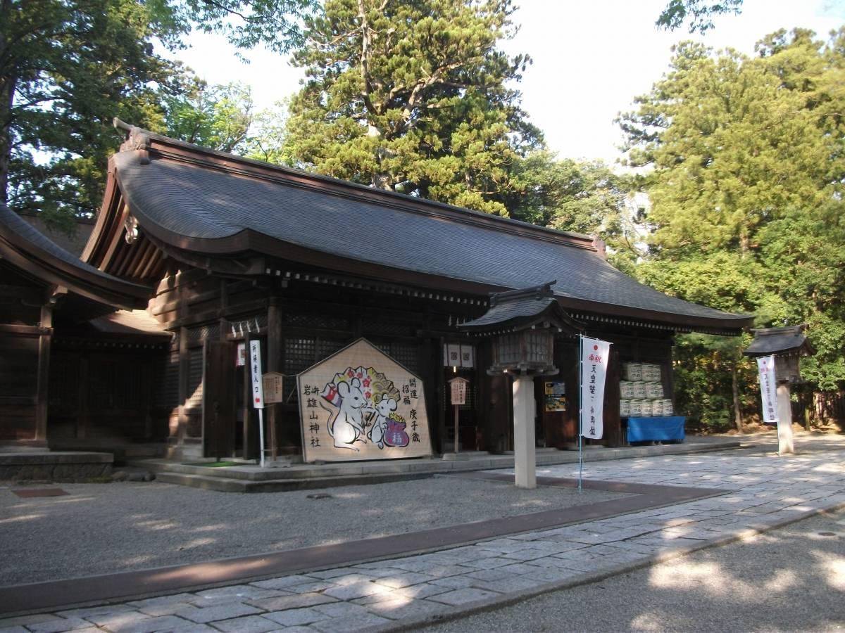 雄山神社前立社壇_5.jpg