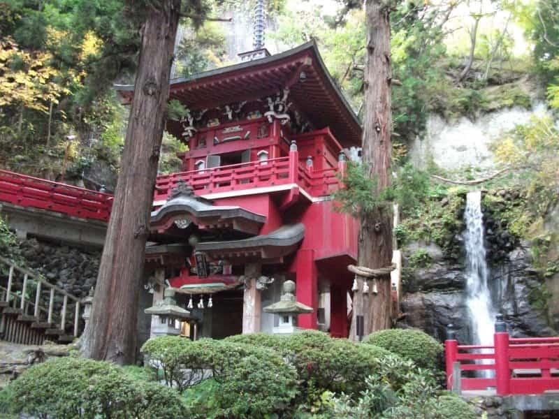 nakanofudouson_temple_4.jpg