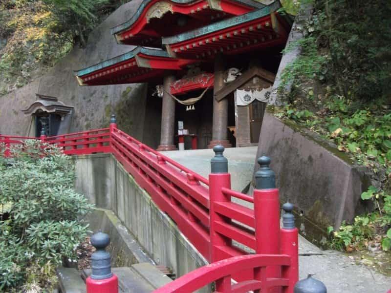 nakanofudouson_temple_5.jpg