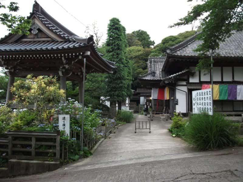 oomidou_temple_5.jpg