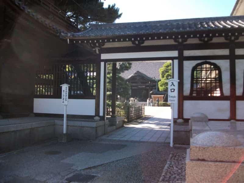 sengakuji_temple_3.jpg