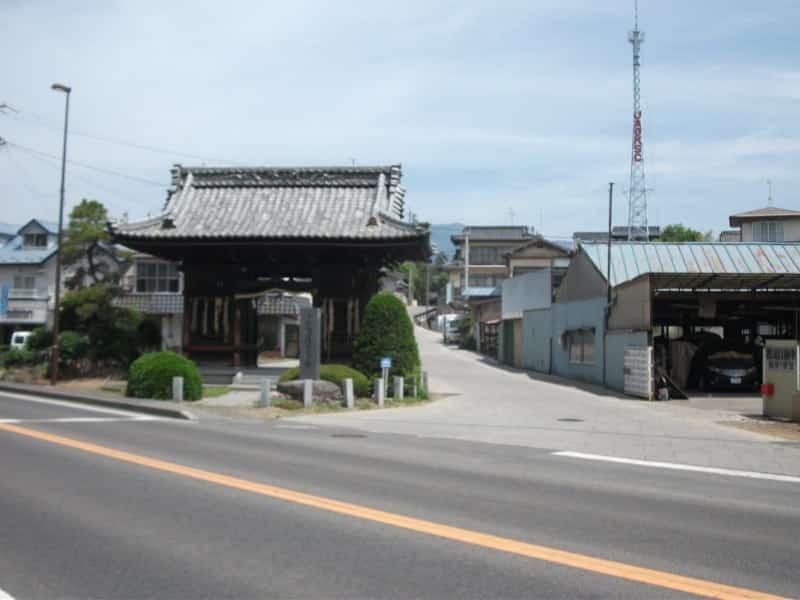 shinanokokubunji_temple_1.jpg