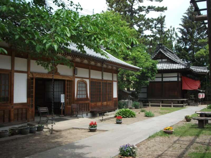 shinanokokubunji_temple_4.jpg