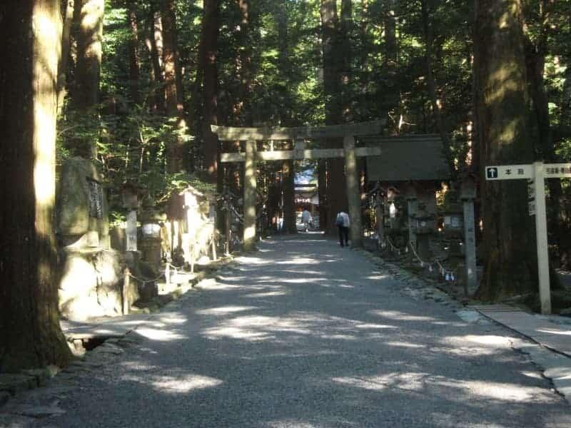 tsubaki_shrine_2.jpg