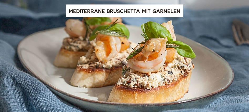 Mediterrane Bruschetta mit Garnelen