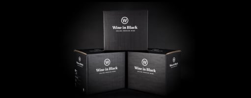 Die Wine in Black Versand-Box