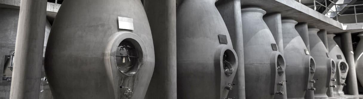 Betontanks im Weinkeller von Zuccardi