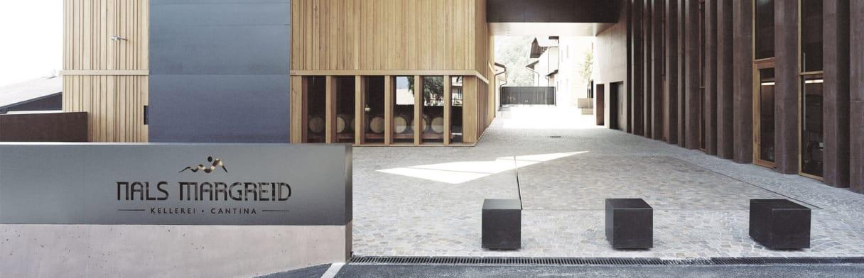 Nals Margreid Weingut mit moderner Innenarchitektur