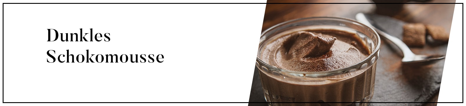 Dunkles Schokomousse mit salziger Schokoladensauce