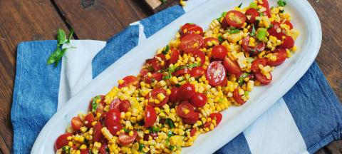 Gegrillter Mais-Tomaten-Salat