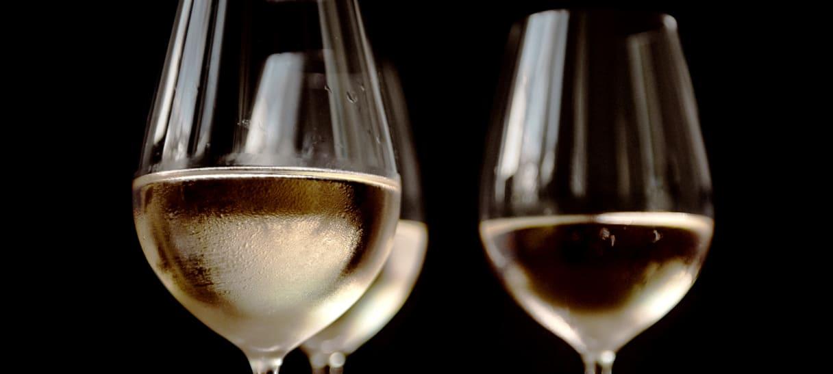 witte wijn aus Hongarije